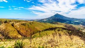 Mening van het zuideneind die van de Bainskloof-Pas, de schade tonen door bosbranden in de bergen van de Westelijke Kaap royalty-vrije stock foto's