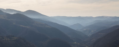 Mening van heuvels dichtbij Kraljevo Servië 3 royalty-vrije stock foto's