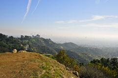 Mening van Hollywood-Heuvels naar Griffith Observatory Stock Fotografie