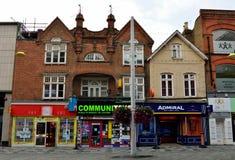 Mening van Hoofdstraat in Slough, met historische gebouwen, commerci Royalty-vrije Stock Afbeelding