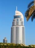 Mening van Hotel het Adres in de Wandelgalerij van Doubai stock fotografie