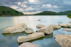 Mening van HUBekang reservoir, Uthai Stock Foto