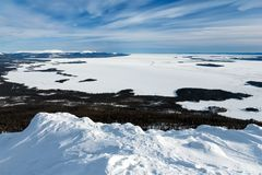 Mening van ijs-behandeld het Witte overzees, Rusland Stock Fotografie