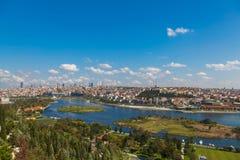 Mening van Istanboel en de Gouden Hoorn Stock Afbeelding