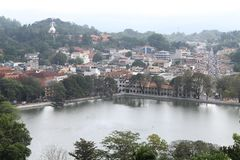 Mening van Kandy-stad in Sri Lanka stock afbeelding