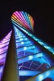 Mening van Kantontoren in Guangzhou, China bij nacht stock foto's