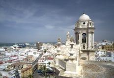 Mening van kathedraal in Cadiz Royalty-vrije Stock Foto's