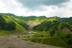 Mening van Kaukasische Bergen in Gudauri, Georgië Royalty-vrije Stock Fotografie