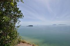Mening van Keluang-Heuvels, Terengganu, Maleisië over Overzees het Zuid- van China stock fotografie