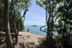 Mening van Keluang-Heuvels, Terengganu, Maleisië over Overzees het Zuid- van China royalty-vrije stock foto's