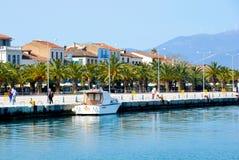 Mening van kleine toeristische en historische stad Nafplion, 1st hoofdstad van Griekenland Stock Foto