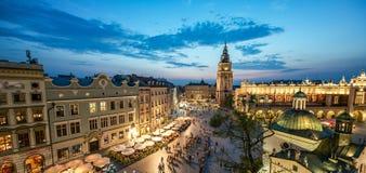 Mening van Krakau, Polen bij zonsondergang stock afbeeldingen