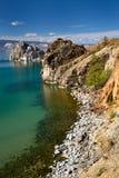 Mening van kust van het meer van Baikal stock afbeeldingen