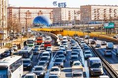 Mening van Leningradskoye shosse in de lente Stock Afbeeldingen