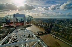 Mening van Londen van het Oog van Londen Stock Afbeeldingen