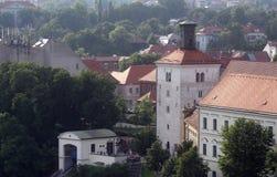 Mening van Lotrscak-Toren, versterkte die toren in oud deel van Zagreb wordt gevestigd Royalty-vrije Stock Foto