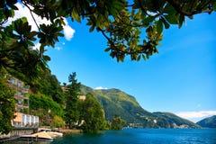 Mening van Lugano meer stock afbeeldingen