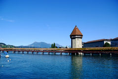 Mening van Luzerne en Kapellbrücke Royalty-vrije Stock Foto's
