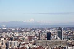 Mening van Lyon met Mont Blanc-berg op achtergrond Royalty-vrije Stock Foto's
