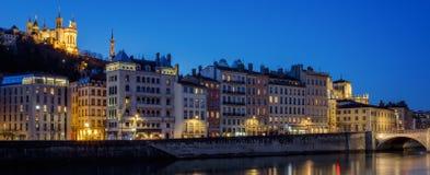Mening van Lyon met Saone-rivier bij nacht Royalty-vrije Stock Foto