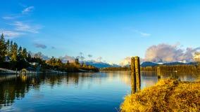 Mening van machtig Fraser River in BC Canada stock afbeeldingen