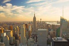 Mening van Manhattan in zonsonderganglicht Royalty-vrije Stock Afbeeldingen