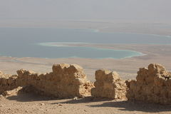 Mening van Masada aan het Dode Overzees Stock Fotografie