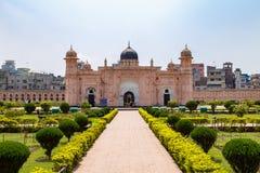 Mening van Mausoleum van Bibipari in Lalbagh-fort, Dhaka, Bangladesh royalty-vrije stock foto
