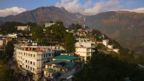 Mening van Mcleod Ganj in India, Dharamsala stock videobeelden