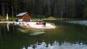 Mening van Meer Pianozes Cortina D ` Ampezzo, Dolomiet, Italië royalty-vrije stock fotografie