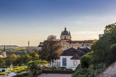 Mening van Melk-stad in Oostenrijk royalty-vrije stock afbeeldingen