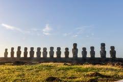 Mening van 15 moais, Ahu Tongariki, Pasen-Eiland, Chili Royalty-vrije Stock Afbeeldingen