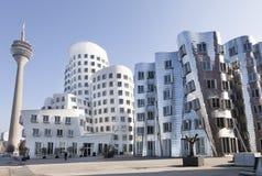 Mening van moderne Architectuur in Dusseldorf Stock Afbeeldingen