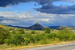 Mening van Monte Formaggio, Mazzarino, Caltanissetta, Sicilië, Italië, Europa stock foto's
