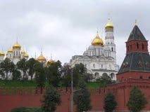 Mening van Moskou het Kremlin van de Moskva-Rivier Royalty-vrije Stock Afbeelding