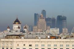 Mening van Moskou met sommige oriëntatiepunten Stock Afbeeldingen