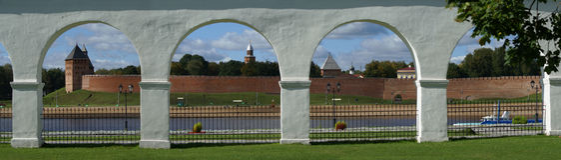 Mening van Novgorod het Kremlin en het strand Stock Foto