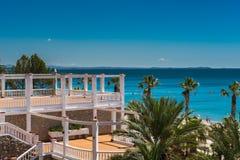 Mening van openbaar strand Miami Platja, Spanje zomer Royalty-vrije Stock Fotografie