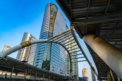Mening van openbare hemelgang bij Chong Nonsi-station in Bangkok Royalty-vrije Stock Afbeeldingen