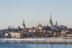 Mening van oud Tallinn met water Royalty-vrije Stock Foto