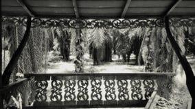 Mening van Oude en beschadigde Pavilon in de Wildernis van Thailand in Retrospective stock foto