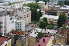 Mening van oude Europese stad van hoogte van de vlucht van de vogel Heilige Petersburg, Rusland, Noordelijk Europa Royalty-vrije Stock Afbeelding