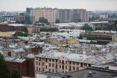 Mening van oude Europese stad van hoogte van de vlucht van de vogel Heilige Petersburg, Rusland, Noordelijk Europa Stock Foto