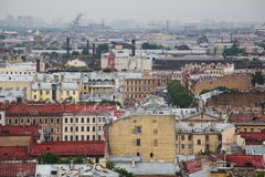 Mening van oude Europese stad van hoogte van de vlucht van de vogel Heilige Petersburg, Rusland, Noordelijk Europa Stock Foto's