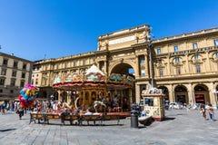 Mening van Piazza della Repubblica en de Carrousel Antica Gios Royalty-vrije Stock Fotografie