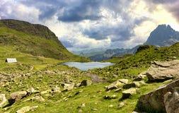 Mening van Pic du Midi D ` Ossau in de Franse Pyreneeën royalty-vrije stock fotografie