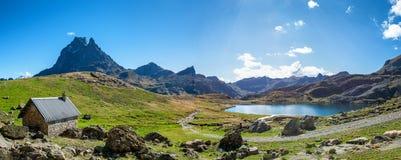 Mening van Pic du Midi Ossau, Frankrijk, de Pyreneeën stock foto