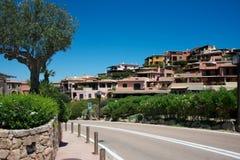 Mening van Porto Cervo met luxegebouwen Stock Foto