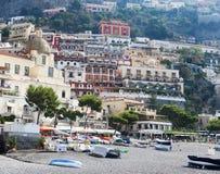 Mening van Positano-stad bij Amalfi kustlijn Stock Afbeelding