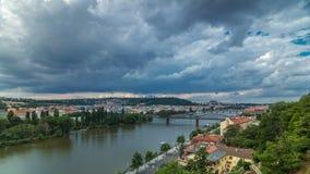 Mening van Praag timelapse van het observatiedek van Visegrad praag Tsjechische Republiek stock footage